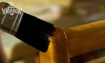 Lakierowanie drewna w domu