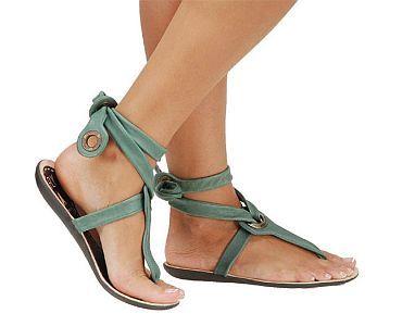 Sandały: przyjaciele kobiecych stóp