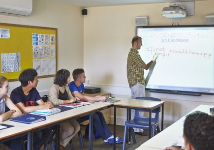 Czy nauka angielskiego u dzieci to tylko plusy?