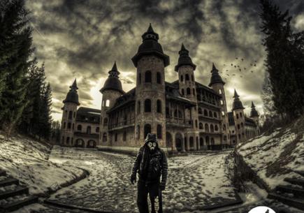 Przemierza opuszczone miejsca w Polsce. Zobacz zdjęcia.