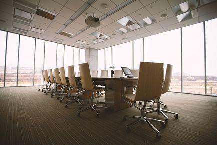 Na czym polega wynajem sal konferencyjnych?