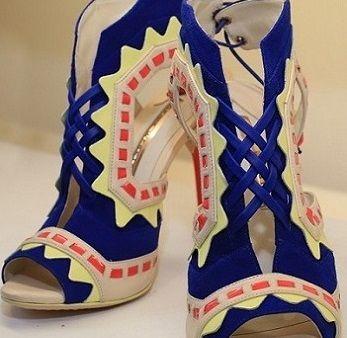 Z jakiego materiału produkowane są najlepsze buty damskie?
