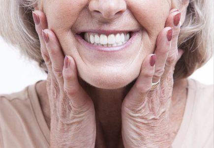 Co to są protezy elastyczne i dla kogo?