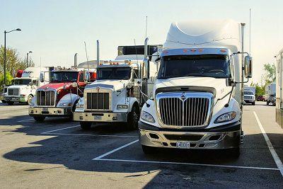 Otwieramy własny serwis samochodów ciężarowych – plusy i minusy biznesu