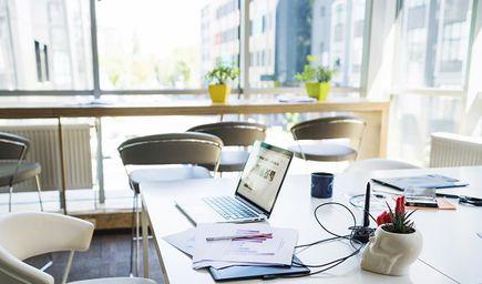 Jakie materiały powinieneś posiadać w swoim biurze?