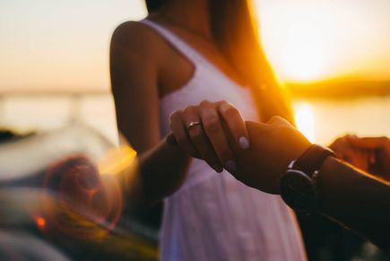 Jak dotykać? Jak wprowadzić kontakt fizyczny do relacji?