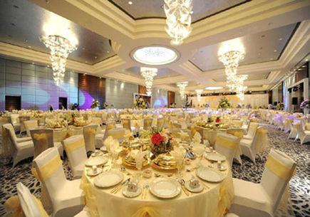 Na czym skupić uwagę wybierając salę weselną?