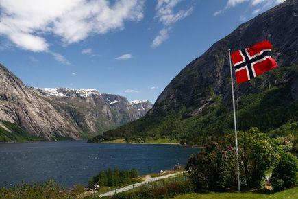 Zamiast do ciepłych krajów, może do Norwegii?