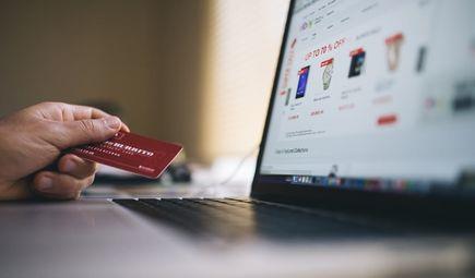 Jak zarabiać na sklepie internetowym