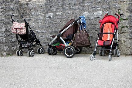 Akcesoria do wózka przydatne w trakcie długiego spaceru