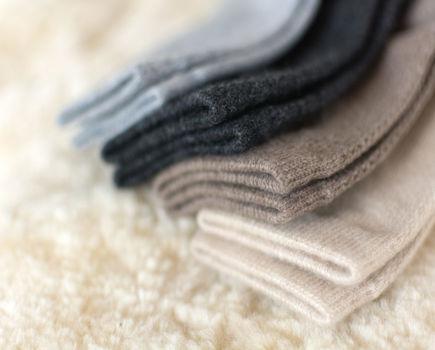 Jak dbać o ubrania z kaszmiru?