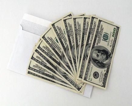 Jesteś zadłużony i potrzebujesz pieniędzy? Sprawdź jak możesz uzyskać dodatkową gotówkę.