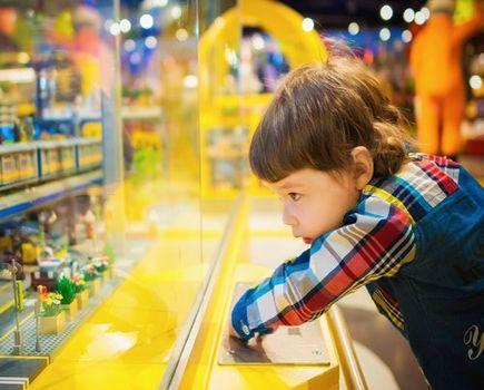 Kreatywne wakacje w domu - zaplanuj dziecku oryginalny wypoczynek
