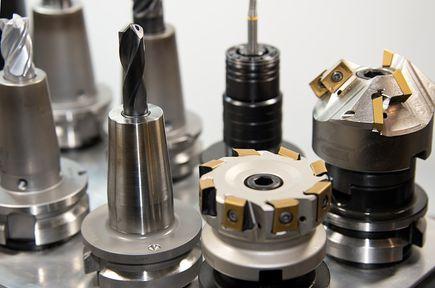 Zakup frezarki CNC - o czym pamiętać