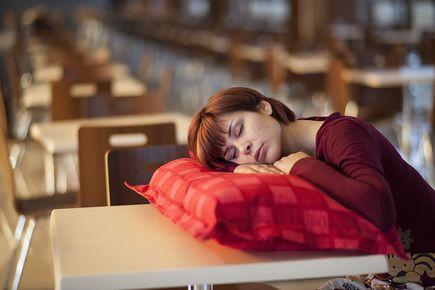 7 przyczyn chrapania, które rujnują spokojny sen
