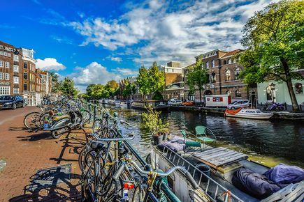 Nie daj się zaskoczyć w Holandii! Na co musisz zwrócić uwagę wyjeżdżając do pracy?