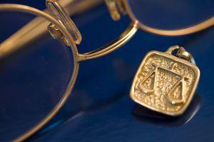 Przegląd najpopularniejszych mitów odnoszących się do pracy adwokata