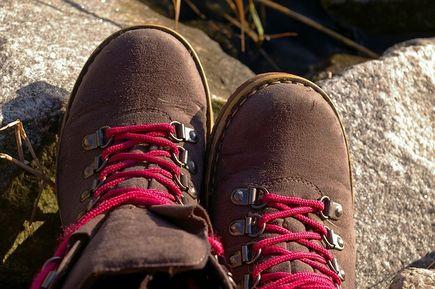 Dlaczego warto kupić obuwie trekkingowe?