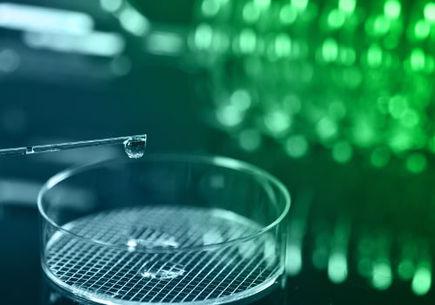 6 głównych korzyści płynących z outsourcingu w branży farmaceutycznej