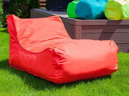 Pufy z materiałów outdoorowych: właściwości i zastosowanie