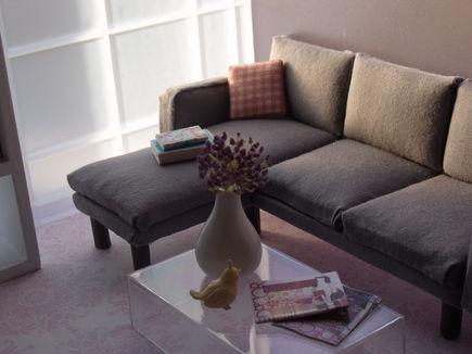 Sofy rozkładane, narożniki, a może kanapy? Jakie meble wybrać do naszego nowego salonu?
