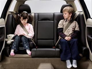 Nowoczesne foteliki dziecięce – jak zapewnić swojemu dziecku maksymalne bezpieczeństwo na drodze?