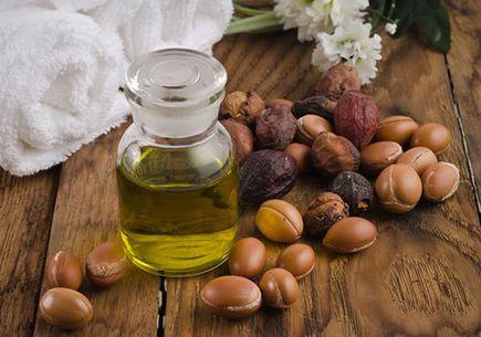 10 Korzyści z oleju arganowego dla włosów i skóry