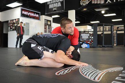 Jaki strój wziąć na trening MMA?
