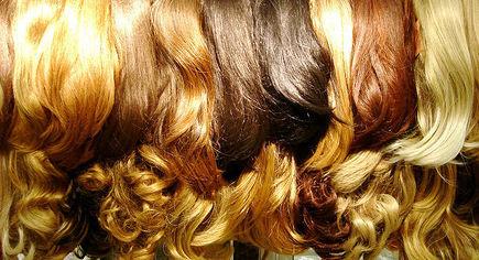Włosy na taśmie sposobem na bujną fryzurę