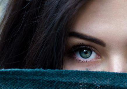 Hipnotyzujące spojrzenie każdego dnia - sztuczne rzęsy