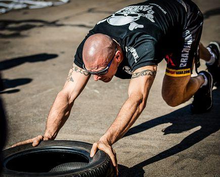 Dlaczego na trening warto wybrać rashguard?