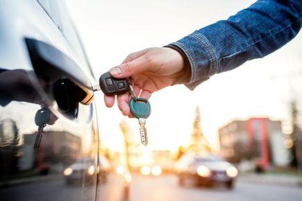 Na co należy zwrócić uwagę przy wypożyczeniu samochodu?