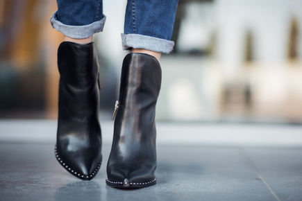 Botki damskie – najpopularniejszy rodzaj obuwia na jesień. Jakie wybrać, aby wyglądać i czuć się dobrze?