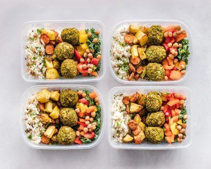 Dieta pudełkowa – sposób na zdrowe odżywianie w pracy