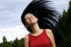 Jak prawidłowo dbać o włosy?