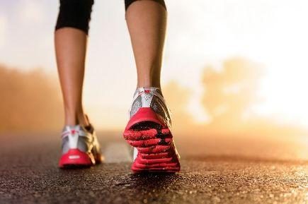 Trzymamy fason podczas biegania, czyli w co się ubrać na trening biegowy