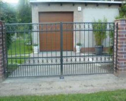 Napędy do bram - funkcjonalności automatyki bramowej