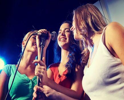 Gdzie zorganizować świetną imprezę z karaoke?