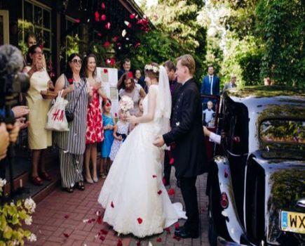 Jak wybrać fotografa ślubnego? 4 najważniejsze wskazówki
