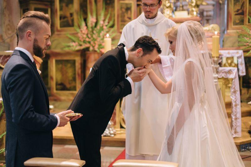 Dobry fotograf ślubny uczyni wspomn...