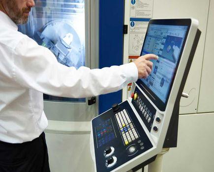 Automatyka przemysłowa – dlaczego warto w nią inwestować?