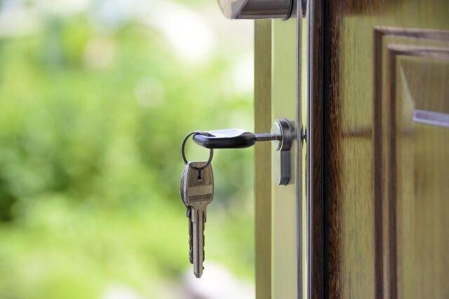 Mieszkanie z najemcą - czy opłaca się je kupić?