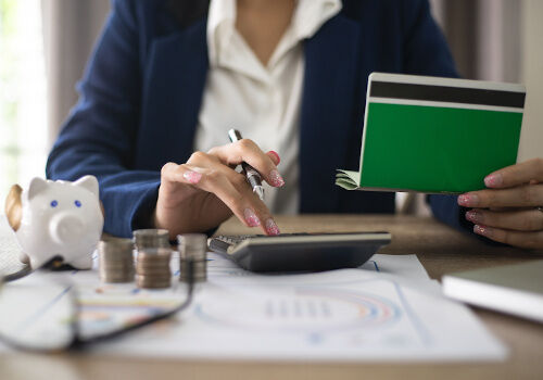 Konto w banku, w roku 2020 – na co zwrócić uwagę wybierając ror?