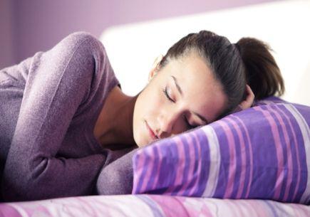 Jak wybrać poduszkę ortopedyczną do spania?