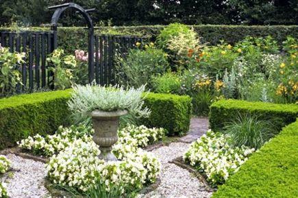 Jak robić żeby się nie narobić, czyli o projektowaniu mało wymagającego ogrodu