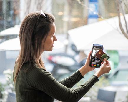 Płatności kartą bezpieczne i pożądane