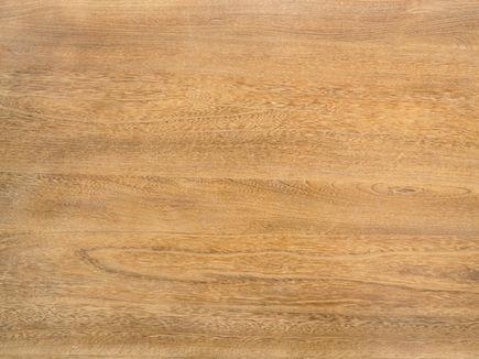 Drewno naturalne w sklepie, biurze, mieszkaniu