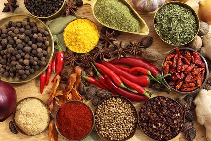 Potrawy rozgrzewające i chłodzące. Jak na organizm wpływa temperatura pokarmu?