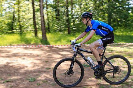 Rowery crossowe – jak wybrać odpowiedni model