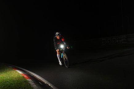 Jesień na rowerze - zadbaj o oświetlenie